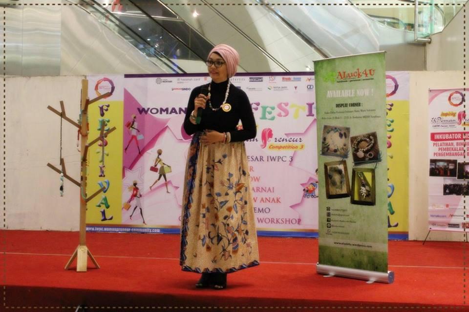 Lucky Retnani 10 besar inspiring womanpreneur competition 3